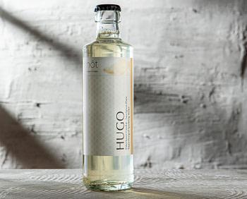 Hugo Premium Bottled Cocktail aus Hamburg