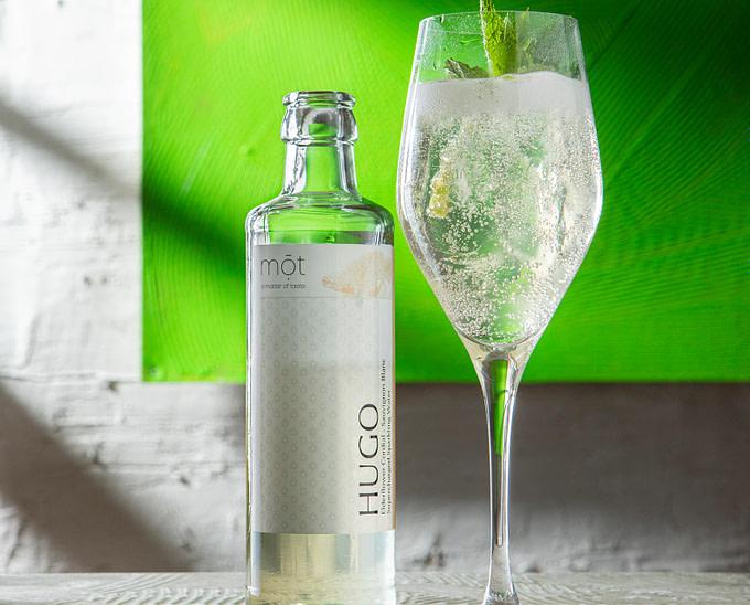 Bottled Hugo Fertigcocktail in Flasche