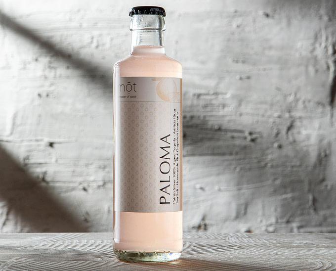 Paloma Highball mit 100% Agave Tequila als trinkfertiger Cocktail